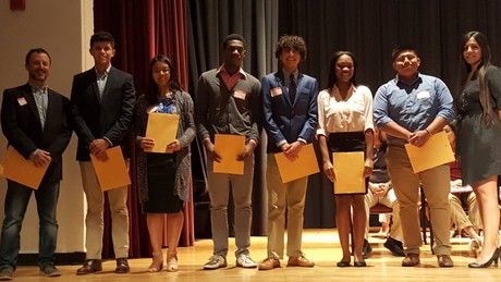 US field tomato grower awards $13,500 in local college scholarships