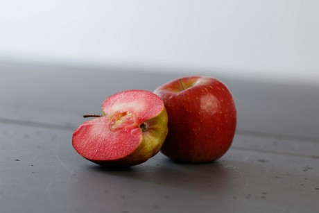red moon apple - photo #2